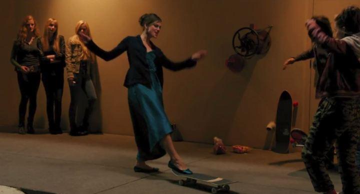 laggies_keira-knightley-skateboard