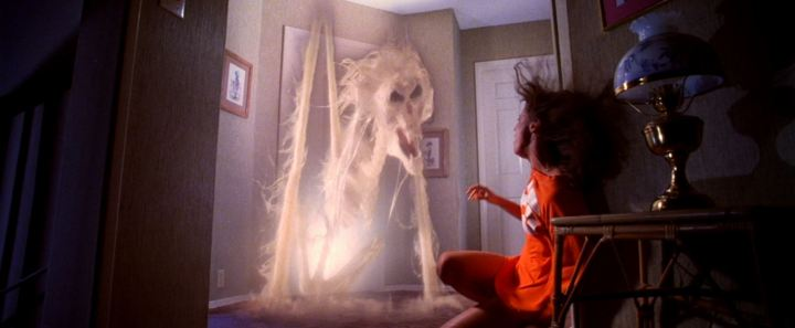 POLTERGEIST (1982). Director: Tobe Hooper. Cinematographer: Matthew F. Leonetti.